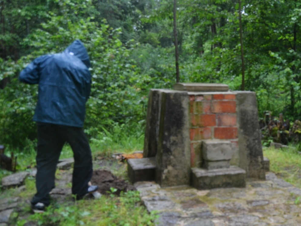 2020-07-18-pomnik-Kostalkov-002