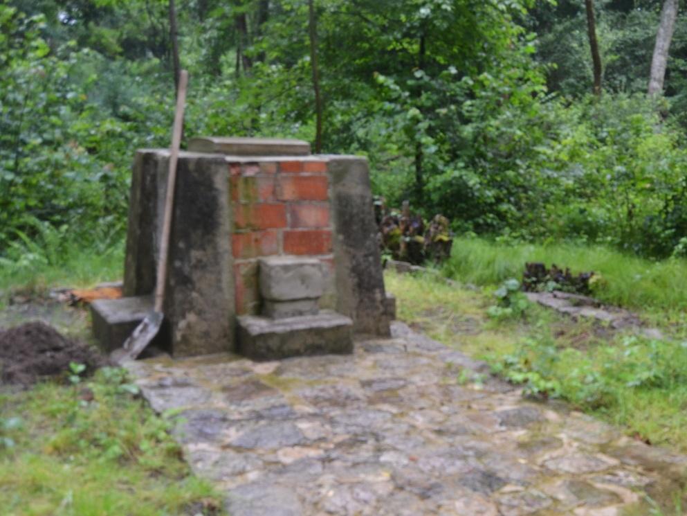 2020-07-18-pomnik-Kostalkov-003