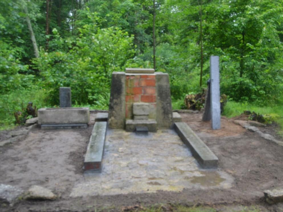 2020-07-18-pomnik-Kostalkov-004