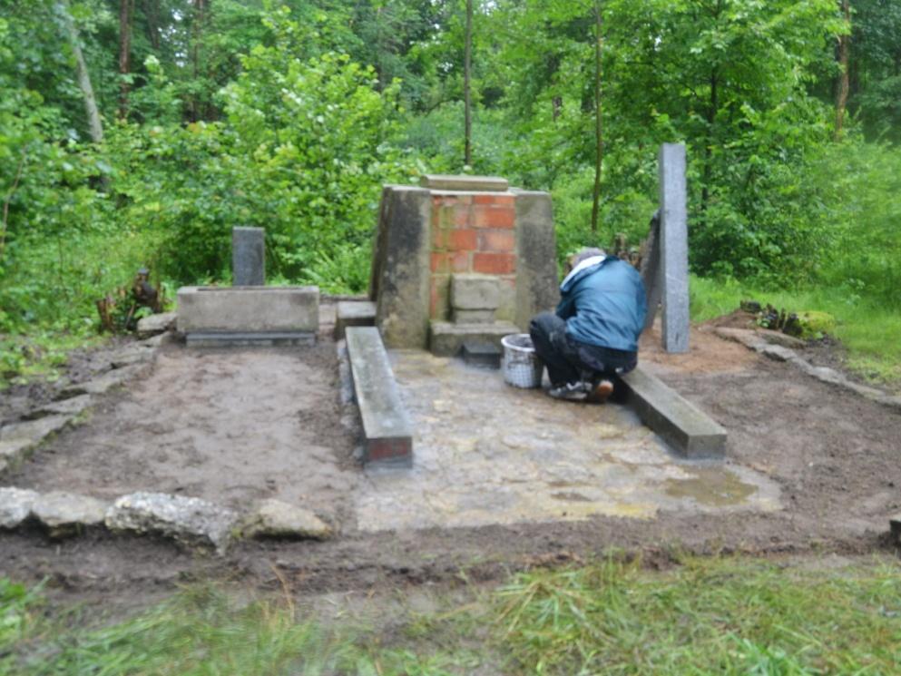 2020-07-18-pomnik-Kostalkov-006